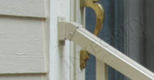 Vertical Adjustable Rail Mounting Bracket For Aluminum Fence Panels Installed On Vinyl Siding